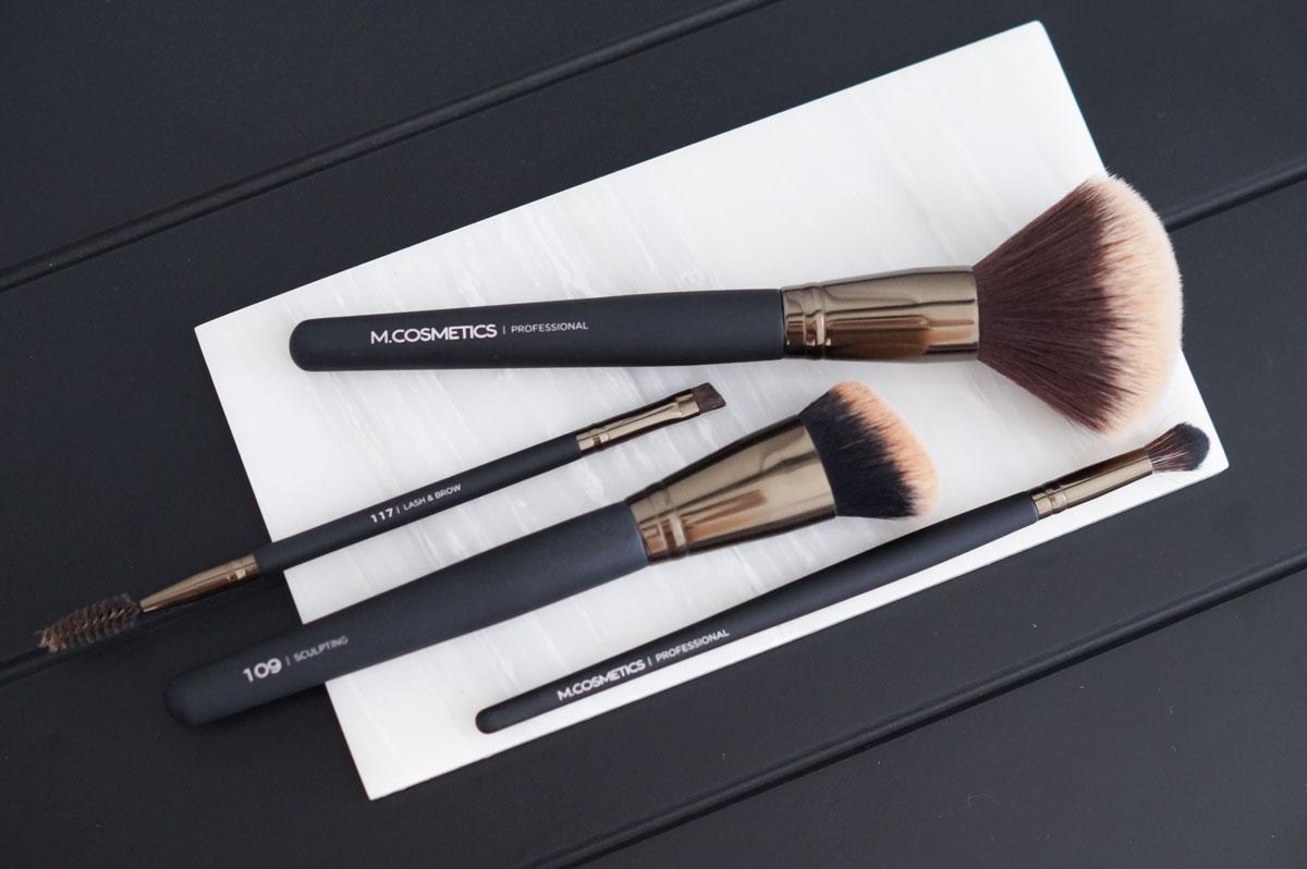 Matas er nu kommet på banen med en række nye makeuppensler, der både er fantastisk gode, budgetvenlige og pæne at se på.